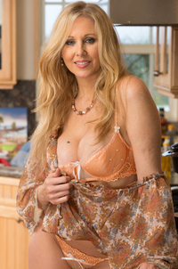 sexiest xxx of Julia Ann