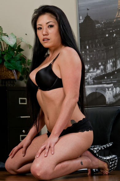 Pornstar Kaiya Lynn