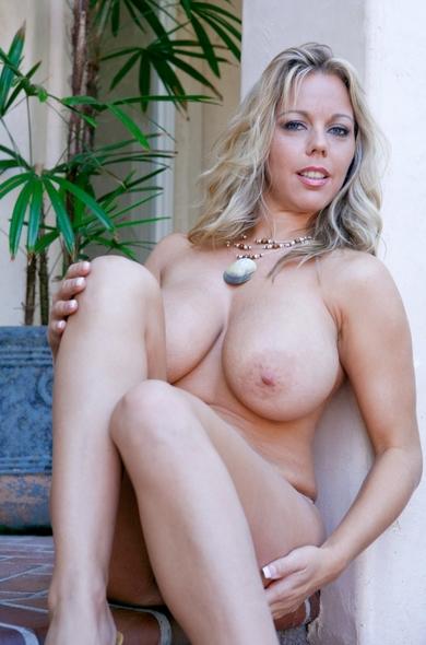 Pornstar Amber Lynn Bach - American videos by Naughty America