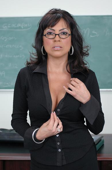 Pornstar Adriana Anelise - Big Fake Tits videos by Naughty America