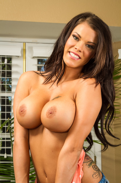 Your favorite pornstar Peta Jensen has a Bald, Innie Pussy & Big Fake Tits