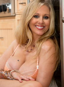Julia Ann:Friend\'s Mom, MILF, Floor, Kitchen, Kitchen counter, Big Ass, Big Tits, Blonde, Blow Job, Cum in Mouth, Fake Tits, Mature, MILFs, Shaved, Tattoos