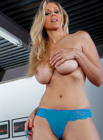 Julia Ann:Friend, Friend\'s Mom, MILF, Couch, Big Ass, Big Dick, Big Tits, Blonde, Blow Job, Cum on Tits, Fake Tits, High Heels, Mature, MILFs, Tattoos, Titty Fucking