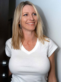 Mrs. Starr:Friend\'s Mom, Married Woman, MILF, Bed, Bedroom, Floor, Kitchen, Table, Big Tits, Blonde, Blow Job, Facial, Fake Tits, Mature, MILFs, Piercings, Shaved, Tattoos