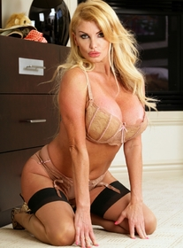 Taylor Wane & Mikey Butders in My Friends Hot Mom - Centerfold