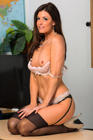 LIVE SEX SHOW With India Summer!