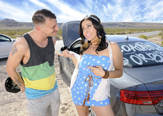 Gracie Glam & Mr. Pete in My Sisters Hot Friend - Centerfold