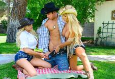 Summer Brielle & Tasha Reign blowjob