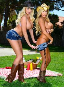 Summer Brielle & Tasha Reign centerfold