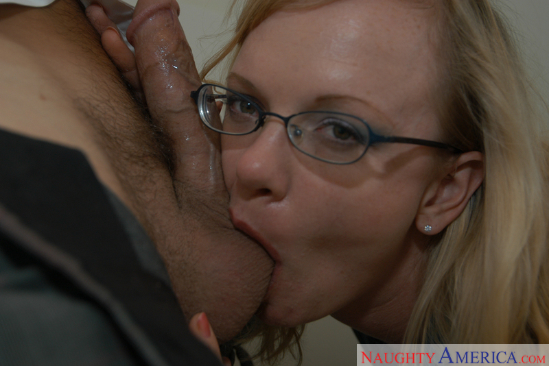 Hayley Rivers & Dino Bravo in Naughty Office