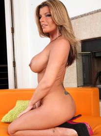 Kristal Summers centerfold