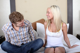 Kaylee Hilton & Michael Vegas in Amateurs Raw - Sex Position #1