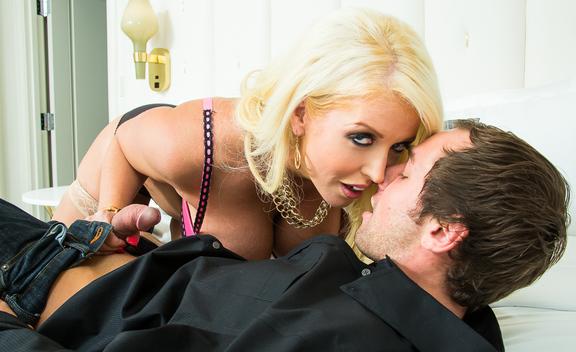 Alura Jenson & Joey Brass in Tonight's Girlfriend - Tonight's Girlfriend - Sex Position #1