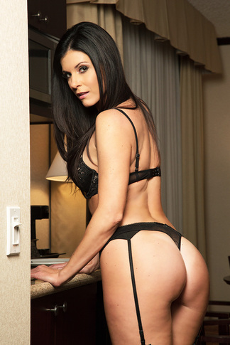 India Summer & Johnny Castle  in Tonight's Girlfriend - Tonight's Girlfriend - Centerfold