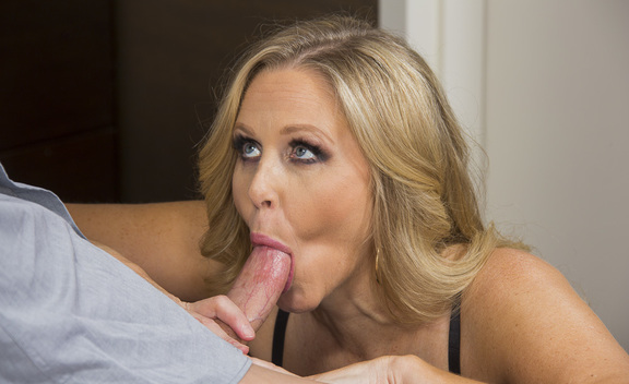 Julia Ann  & Ryan Mclane in Tonight's Girlfriend - Tonight's Girlfriend - Sex Position #2