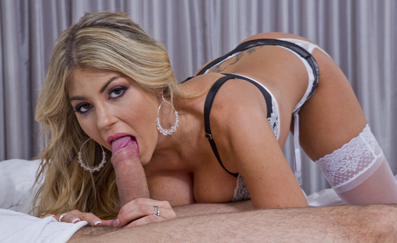 Kayla Kayden & Mr. Pete in Tonight's Girlfriend - Tonight's Girlfriend - Sex Position #2