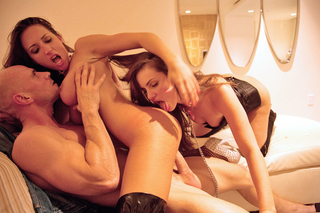Lily Carter, Lizz Tayler & Johnny Sins in Tonight's Girlfriend - Tonight's Girlfriend - Sex Position #9