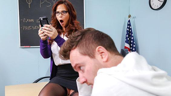 Anal Porn Video Eat my ass with Syren De Mer