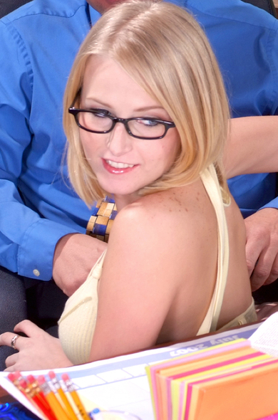 Pornstar Ziggy - Blonde videos by Naughty America