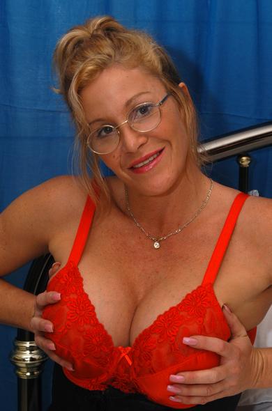 heads-first-sex-teacher-michelle-mature
